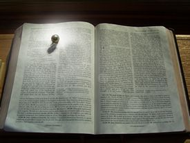 pearl_bible_l